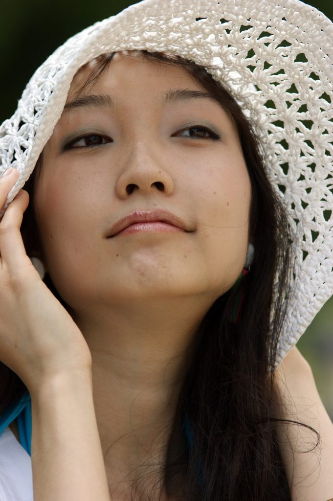 rsz_young_asian_woman_with_hat.jpg January 21, 2019